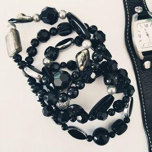 ⬇️ Set of beaded bracelets